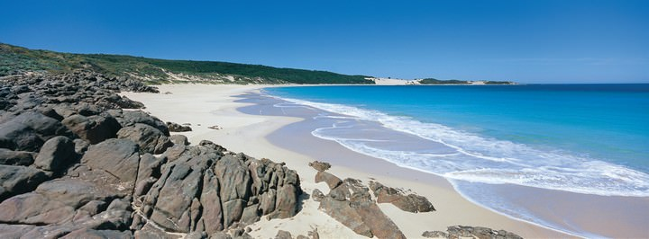Injidup-Beach-located-south-of-Yallingup-in-the-Leeuwin-Naturaliste-National-Park